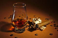 Whisky and Cigar (redy1966) Tags: whiskey cigar whisky tabletop 2016 zigarren produkt produktfotografie