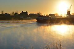 Hollandsche IJssel (moondancer204) Tags: water river ship landschap rivier scheepvaart monico binnenvaart zonsopkomst nieuwerkerkaandenijssel hollandscheijssel sereniteit
