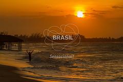 NE_DeltaParnaiba0431 (Visit Brasil) Tags: pordosol sol praia horizontal brasil natureza céu turismo árvore lazer nordeste ecoturismo vegetação piauí panorâmica externa silhuetas luiscorrea comgente diurna praiadoscoqueiros brasil|nordeste brasil|nordeste|piauí|luiscorrea brasil|nordeste|piauí|luiscorrea|praiadoscoqueiros quisoquecabana brasil|nordeste|piauí