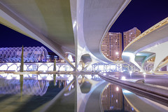 Pont de Montolivet (soyelcote) Tags: longexposure bridge reflection water valencia nightshoot calatrava pont es arquitecture x100t