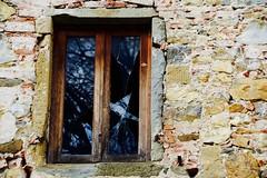 reflex (dragonflaitrii) Tags: holiday canon toscana valdarno bucine lupinari