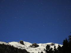 Sommet toil (wishima) Tags: sky night montagne stars ciel arbres neige nuit foret toiles