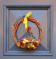 Easter decoration (Jaedde & Sis) Tags: easter door decoration ærøskøbing sweep pregamewinner