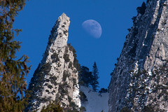 Mond (ChJ Pics) Tags: moon mond ostschweiz alpen bergsee grabs voralpsee grabserberg stgallerland