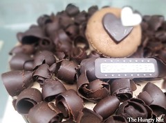 Boulangerie22 27 Dark Chocolate Curls Cake P699_resize (The Hungry Kat) Tags: french breads authentic boulangerie macarons boulangerie22