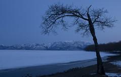Japan (richard.mcmanus.) Tags: mountains ice japan landscape hokkaido bluehour gettyimages mcmanus lakekussharo