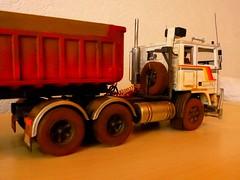 volvo F12 australia (dirty76) Tags: newzealand truck australia 124 lorry camion outback roadtrain australie 125 amt modeltruck lkw revell ertl italeri modelscale graveltrailer