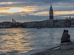senza titolo (conteluigi66) Tags: tramonto nuvole lovers laguna acqua sanmarco riflesso autofocus amanti platinumheartaward luigiconte