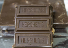110/366 Chocolate! (zodia81) Tags: yum sweet chocolate hersheys almonds april 2016 366 365project hersheyswithalmonds
