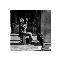 relax (stilux) Tags: city blackandwhite bw music black town guitar croatia stadt sw musik schwarzweiss dubrovnik schwarz blackdiamond gitarre kroatien