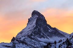 Matterhorn (Tschgge) Tags: sunset schweiz zermatt matterhorn orte