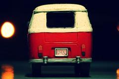 kombi (LHS0684) Tags: red color luz car vw night cores toy mini vermelho carro noite luzes van cor kombi