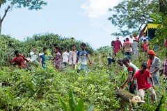 H504_3300 (bandashing) Tags: trees red england people tree green manchester shrine hill crowd foliage sylhet bangladesh socialdocumentary mazar aoa shahjalal bandashing akhtarowaisahmed treecuttingfestival lallalshahjalal