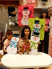 Snowmen to Go - Craft Class (rata-tat-tat) Tags: dolldiorama barbiediorama dynamitegirlssooki barbiepivotal