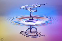 drop-368 (M_al3jran) Tags: stilllife macro speed studio photo high still drop kuwait waterdrops highspeed kuwaiti q8 portraitstudio kuwaity liquidart kuwaitphoto q8photo mal3jran al3jran