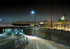 EVA Air Boeing 777-300ER (Phil_Debski) Tags: canada nikon eva dubai force aviation military air royal taiwan lot emirates airline airbus a380 taipei boeing luxury spotting boeing777 dreamliner torontolesterbpearsonairport