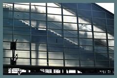 Licht und Schatten * Light and Shadows * Luz y Sombra *   . DSC_8797-001 (maya.walti HK) Tags: schweiz switzerland flickr suiza zurich zrich lightandshadow 2012 lichtundschatten luzysombra zrich nikond3000 290116 copyrightbymayawaltihk bahnhofhardturm