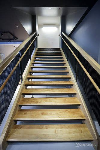 JihoNation-jiho-sohn-baltimore-photography-baltimore-staircase-majermetalworks-motor-house-0009-IMG_9781