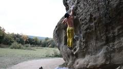 savassona lance el dau (mono_joan) Tags: mountain sport mono climb outdoor joan boulder adventure climbing bouldering vic catalunya escalar savassona monojoan