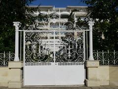 Arcachon, Gironde, ville d't. (Marie-Hlne Cingal) Tags: france gate iron 33 arcachon fer portail sudouest aquitaine gironde villedt