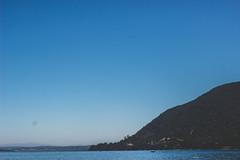Tripleta (cmenesese) Tags: chile travel lake nature landscape volcano ray scene villarrica lican