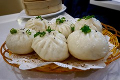 Pan fried pork bun, yummy! (Billy Kuan-yin Chen) Tags: nyc newyorkcity newyork asian parade queens lunarnewyear flushing asianculture
