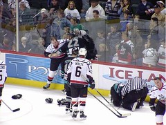 #32 Matt ZULTEK in action (kirusgamewornjerseys) Tags: game ice hockey matt worn jersey echl titans trenton eishockey zultek