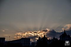 Sunset clouds (andrea.prave) Tags: uk sunset england london westminster thames atardecer zonsondergang tramonto sonnenuntergang londonbynight prdosol londres londra  embankment solnedgang inghilterra tamigi solnedgng puestadelsol   coucherdusoleil