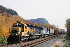 Westbound Muscle (view2share) Tags: railroad autumn trees santafe fall wisconsin train river october track 2000 fallcolor transport tracks engine rail railway rr trains foliage transportation rails mississippiriver locomotive bluffs midway ge wi bnsf bluff railroaders railroads generalelectric sd45 railroading emd atsf october2000 burlingtonnorthernsantafe buffalocounty fall2000 rring doubletrack trackage bnsfrailway mississippirivervalley electromotivedivision fallenflag b398 stcroixsub uppermississippirivervalley winonajct 20cylinder bnsf6411 lmx8508 october162000