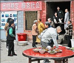 Lunch time (Bruno Zaffoni) Tags: china guizhou cina qingyan