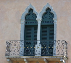 Bardolino (Luciana.Luciana) Tags: lago balcone lagodigarda finestre bardolino