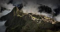 20151103 - Machu Picchu 051 (blogmulo) Tags: morning travel mountain peru machu picchu fog inca architecture sunrise culture machupicchu