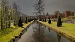 ambiance (Yasmine Hens) Tags: reflection green gris eau europa flickr belgium ngc vert reflexion reflets wather namur hens yasmine ambiance wallonie annevoie jardinsdannevoie iamflickr flickrunitedaward hensyasmine