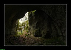 Guy et le Canyon des Sayottes dans les Terres de Chaux - Franche-Comt (francky25) Tags: guy les de canyon des le et franchecomt dans roche sous abri doubs terres chaux sayottes