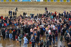 IMG_5626 (Graham  Sodhachin) Tags: swim dip broadstairs vikingbay 2016 vikingbaynewyearsdayswim