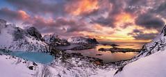 The eye (Yan L Photography) Tags: winter norway sunrise pano lofoten reine lofotenislands yanphotography yanlphotography