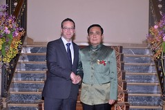 Sir Simon McDonald, Head of the UKs Foreign Office, meets Thai PM (UK in Thailand) Tags: thailand visit foreignoffice