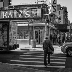 Katzs Deli, New York (m.oja) Tags: street bw usa newyork delicatessen katzs leicam9 summarit3525 silverefexpro2