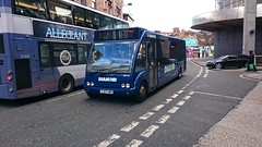 Diamond North West 20724 - Manchester City Centre (soloM920) Tags: travel blue west bus manchester floor little south low small north engine diamond number solo service clifton cummins 73 lancs optare engined shudehill m950 20724 95m xwo yj57 yj57xwo 95metres
