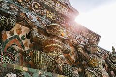 WAT ARUN (SergMo Cutler) Tags: travel bar canon thailand reisen asia bangkok nightshoot watarun 6d skybar bestshot statetower sirocco bestphoto travelnerd travelphotographie travelthailand baiyoketower traveladdict reisefieber