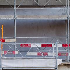 Implenia II (zeh.hah.es.) Tags: red orange white rot fence grey schweiz switzerland construction zurich gray grau baustelle zrich zaun constructionsite weiss limmat kreis5 bauzaun gerst getreidesilo