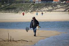 Pescador - Fisherman (P Martinho) Tags: canon fisherman tamron fozdoarelho pescador tamron18270 1200d