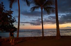 Kapiolani Beach in Waikiki (JonathanWolfson) Tags: sunset waikiki waikikibeach kapiolani