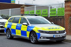 OE15 WLA (S11 AUN) Tags: volkswagen demo police vehicle irv emergency incident passat patrol response 999 demonstrator areacar oe15wla