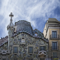 THE GAUDIAN FANTASY (D81_0269s) (cyppoon (Chris Poon)) Tags: barcelona spain unescoworldheritagesite casabatll antonigaud passeigdegrcia cyppoon