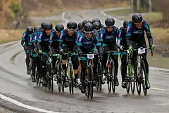 Aurora Borealis (olamorken) Tags: wet canon bikes bikerace auroraborealis wetasphalt 1dx enebakkrundt bioracer
