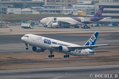 Fukuoka Airport 2016.1.17 (20) JA604A / ANA's STAR WARS JET (B767-300) (double-h) Tags: airplane ana starwars   b767 fuk  b767300  fukuokaairport   rjff specialpainting ja604a  eos7dmarkii ef100400mmf4556lisiiusm accinfukuoka