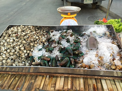 Fresh shellfish for sale (including some beautiful green shell mussels)