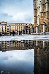 on the left... (ma_rohe) Tags: reflection catedral reflejo reflejos reflects charco charcos catedraldeleon leonesp