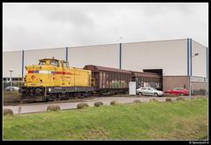 SR 303003 - Leusden (Spoorpunt.nl) Tags: 5 rail janine pon trein dealer februari 2016 gesloten leusden wagens 62291 strukton 303003